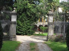 La Patirana Guesthouse, Zandobbio (Trescore Balneario yakınında)