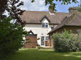 Flossies B and B, East Tisted