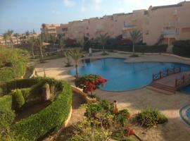 Two-Bedroom Apartment at Heidi Resort, Borg El Arab (Dawwār al Ḩajj Aḩmad yakınında)