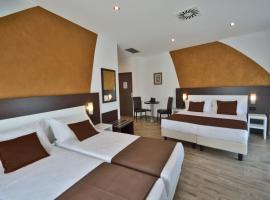 Hotel Luxor Florence, Florence