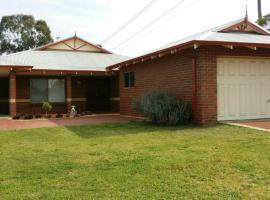 Merridees Place, Perth (Leeming, WA yakınında)