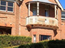 Grange Apartments, Bathurst (Turondale yakınında)