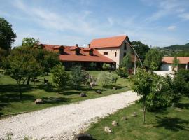 Malomdűlő Farmház, Pilisborosjenő (рядом с городом Pilisvörösvár)