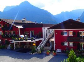 Chalet-holidaysun, Golling an der Salzach (Scheffau am Tennengebirge yakınında)
