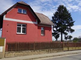 Luhu Domu, Řevnice (Zadní Třebaň yakınında)