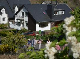 Weingut im Moselkrampen, Ellenz-Poltersdorf (Bruttig-Fankel yakınında)