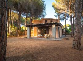 Villa I Pini, Santa Margherita di Pula (Is Morus yakınında)