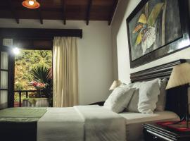 Gringo Bill's Boutique Hotel