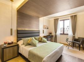 Warmthotel, Řím