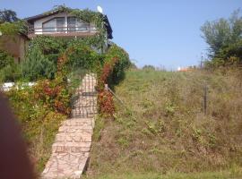 Villa Kokita, Izgrev (Kosti yakınında)