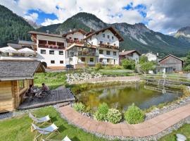 Hotel Gasthof Traube, Pettneu am Arlberg (Schnann yakınında)