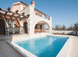 Villa With Pool in Croatia Vrsar, Градина (рядом с городом Kloštar)