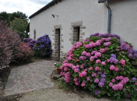 Perrault Gites, Loscouët-sur-Meu (рядом с городом Сент-Онан-ла-Шапель)
