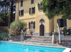 Villa Santa Chiara, Lesa (Nær Nebbiuno)