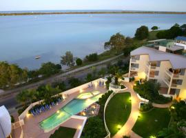 Moorings Beach Resort, Caloundra (Pelican Waters yakınında)