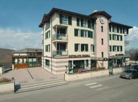Hotel Kristall, Monghidoro