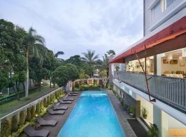 Grand Cakra Hotel Malang, Маланг (рядом с городом Karanglo)