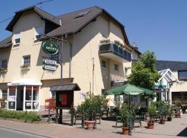 Hotel Burgklause, Nickenich (Wassenach yakınında)