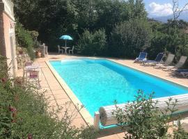 Studio indépendant dans villa avec piscine à Gap