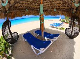 Rollezz Villas Beach Resort, Old Bight