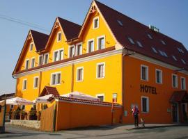 Hotel Vyzlovka, Kostelec nad Černými Lesy (Tehovec yakınında)