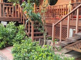 Ruean Mai Chai Khlong