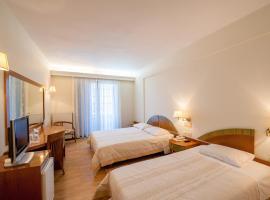 Fthia Hotel, Ламия