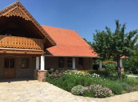 Napfenyes Vendeghaz, Bükkösd (рядом с городом Kan)