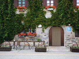 Hostal Almadiero, Burgui (Navascués yakınında)