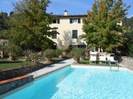 Casa Elena, Lucca