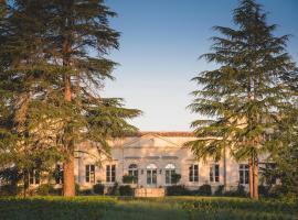 Château Le Pape B&B, Léognan (рядом с городом Cadaujac)