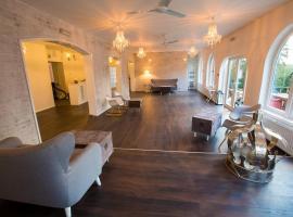 Gray Manor Hotel, Cholderton