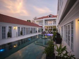 White Boutique Hotel and Residences, Sihanoukville