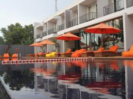 Double G Resort Anyer, Pantai Anyer (рядом с городом Cinangka)