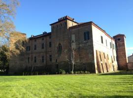 Castello Sannazzaro B&B, Giarole (Valmacca yakınında)