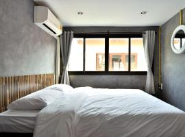 M Gray Hostel