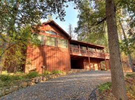 Deer Mountain Lodge, Oakhurst (in de buurt van Yosemite Forks)