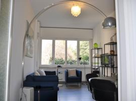 Apartment 900