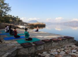 Hotel Silva Oliva Lake Bafa
