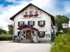 Landgasthof Pilsenhof Entenbraterei, Hechendorf am Pilsensee (Seefeld yakınında)