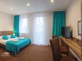 Hotel w Dobieszkowie, Stryków