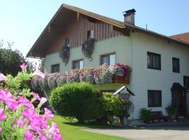 Gästehaus Jedinger, Oberhofen am Irrsee (Innerroid yakınında)