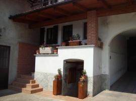 Al Mobile Antico, Camerano Casasco (Montafia yakınında)