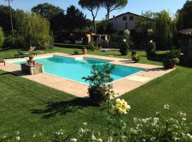 Tonini House, Casa Cavallini (Tatti yakınında)