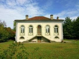 Holiday Home Authentieke Villa Nabij Loures-Barousse 5 Pers, Loures-Barousse (рядом с городом Labroquère)