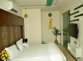 Hotel The Grand Parshwanath, Sankeshvar (рядом с городом Bajāna)