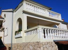 Villa Nena, Ткон