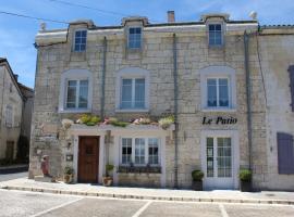 Le Patio Chambres et Tables d'Hôtes, La Tour-Blanche (рядом с городом Léguillac de Cercles)