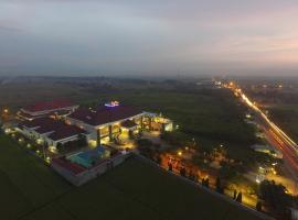 Regina Hotel, Pemalang (рядом с городом Petarukan)