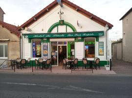 Hotel du siecle, Cercy-la-Tour (рядом с городом Isenay)